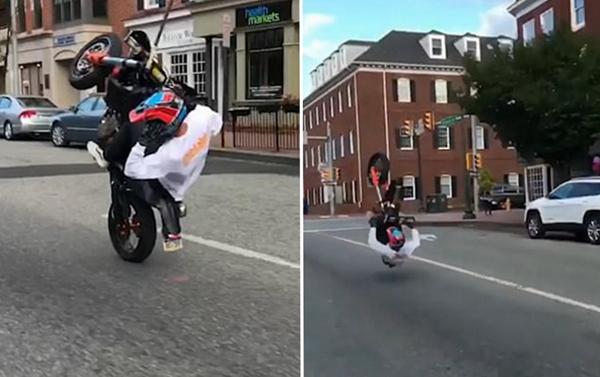 """""""马失前蹄""""摩托车手当街耍宝尴尬翻车"""