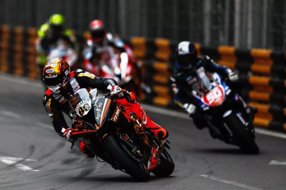 赫尔文暂夺澳门格兰披治摩托车排位赛杆位