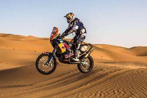来看看摩托车手如何挑战世界最艰难的摩托车比赛