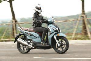 拥有跨骑车操控的欧式踏板:ADIVAAJ201