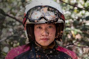 皇家恩菲尔德推出首个女性摩托骑行装备系列