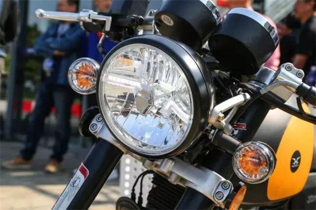 英伦风复古摩托车UK450赏析