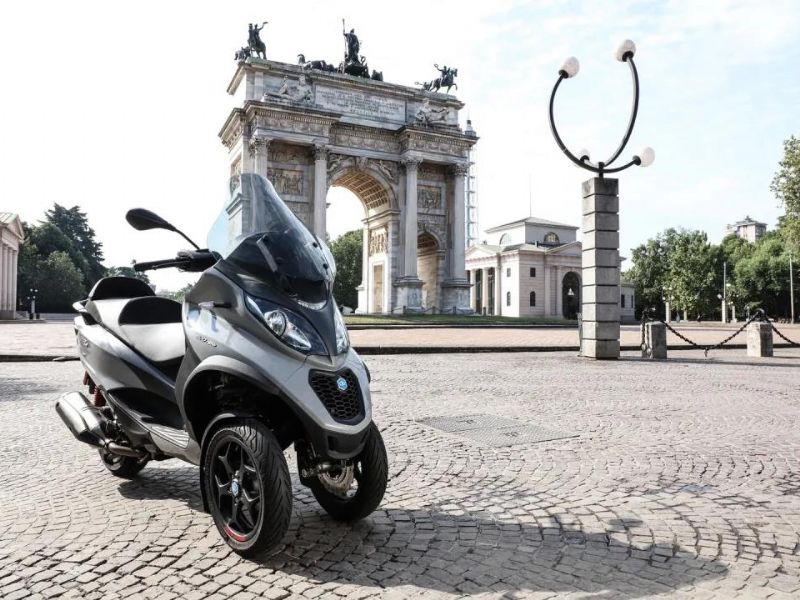 全新 Piaggio MP3 500 hpe Sport 登�摩博��