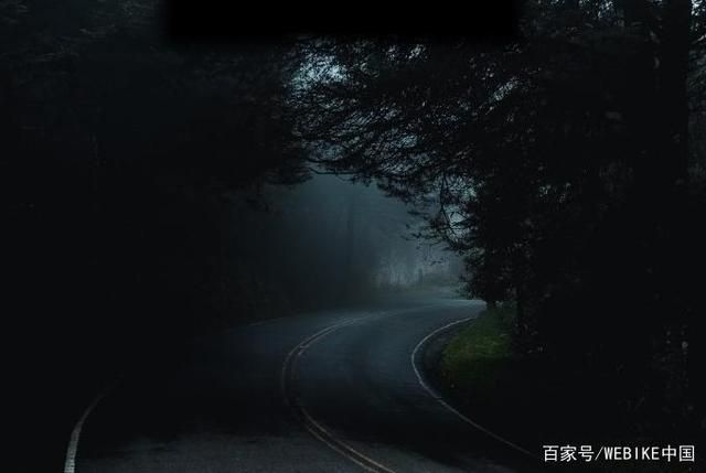 摩托车暗藏致命危机的弯道