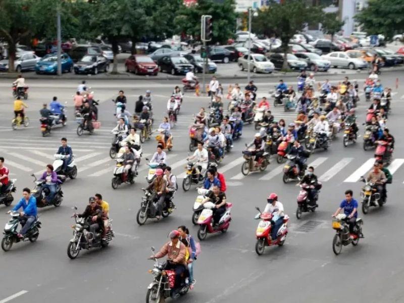 解禁摩托车的西安,新增驾驶员10万人