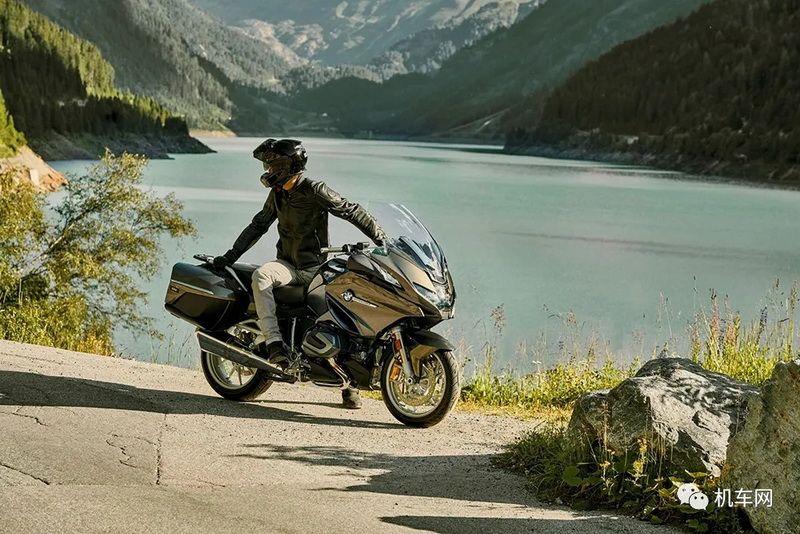 宝马新款R1250RT发布配备自适应巡航系统