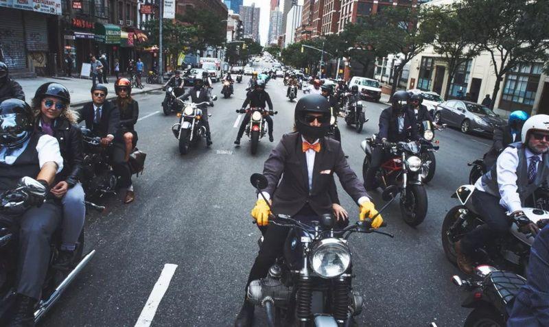 谁说骑摩托车一定要叛逆?还可以精致优雅