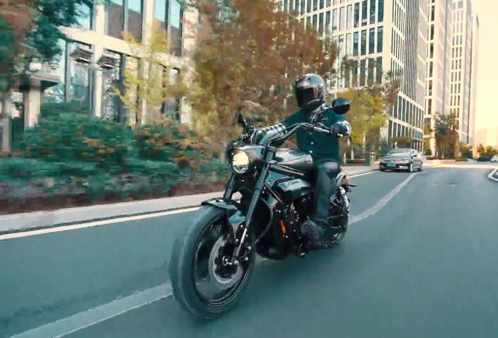 轻骑GV650PC骑行视频