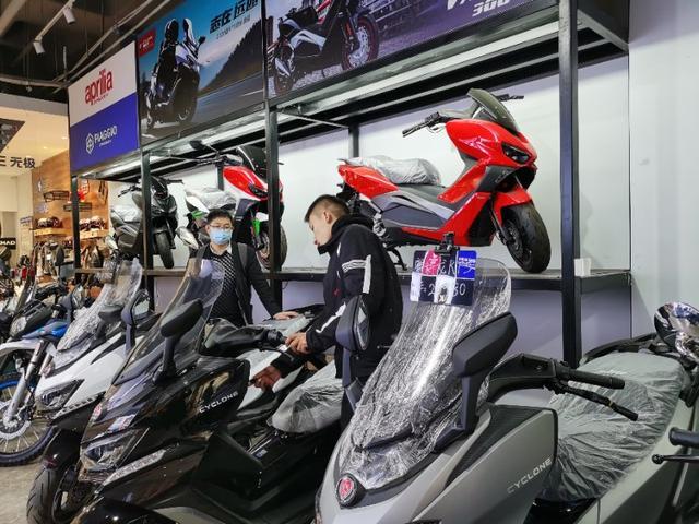 济南:摩托车有多火?热门车型常态性缺货