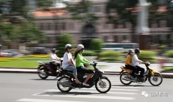 这是一个交通堵塞不禁摩,反禁汽车的国家