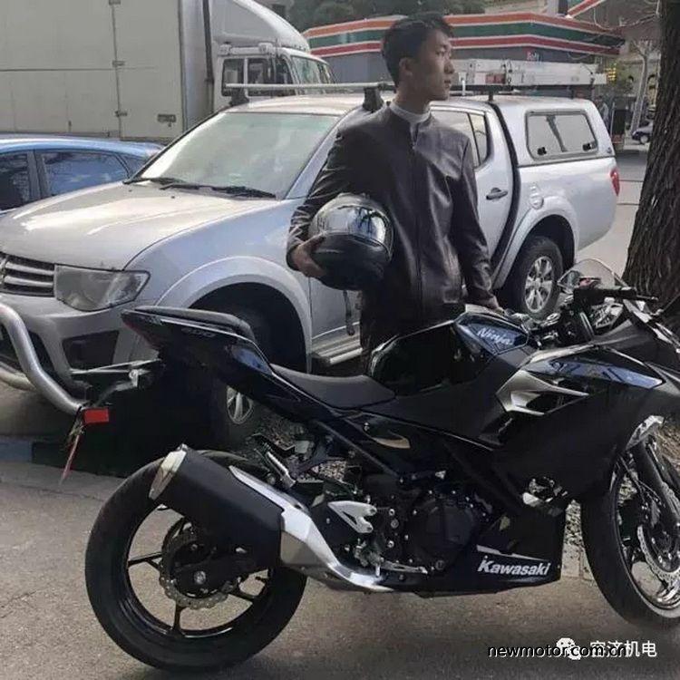 拥有人生中第一辆摩托车时各种行为